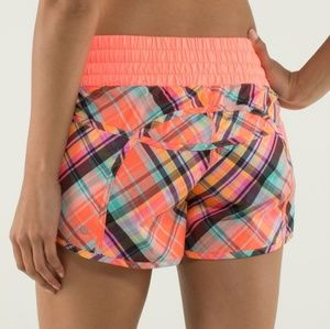 Lululemon Tracker II Shorts in Rad Plaid